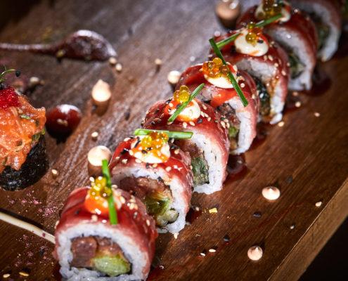 Carpaccio special sushi roll